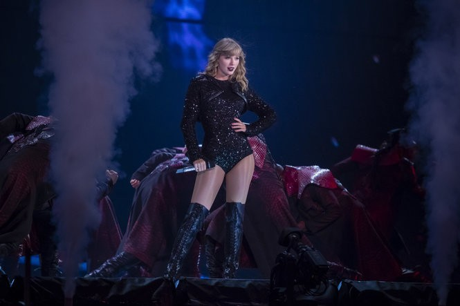 Taylor Swift In Detroit Vast Production With Serpents And Surprises Mlive Com