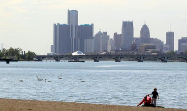 A view of Downtown Detroit from the city's urban island park Belle Isle.