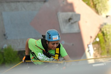 Kavita Sawal, 49, a high school science teacher rappels 25-stories down a skyscraper in Downtown Detroit Thursday afternoon May 7, 2015. (Tanya Moutzalias | MLive Detroit)