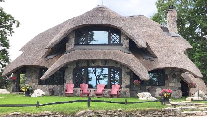 Tremendous Hidden Gem Hobbit Type Mushroom Houses You Can Rent In Download Free Architecture Designs Itiscsunscenecom