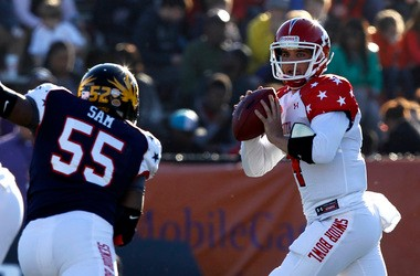 MIchael Sam rushes a quarterback during a college game.