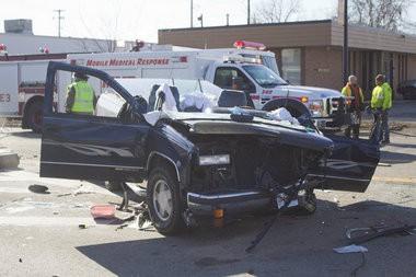 Saginaw area driver involved in crash on Washington remains