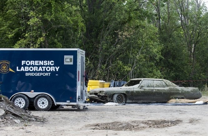 Saginaw Auto Recyclers >> What We Know So Far About Human Remains 70s Sedan Found In Pond