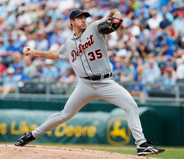 Justin Verlander delivers a pitch Wednesday afternoon against the Kansas City Royals.