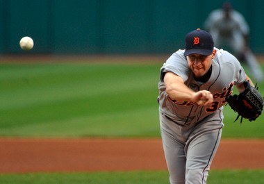 Max Scherzer delivers a pitch in the first inning Thursday night against the Cleveland Indians.