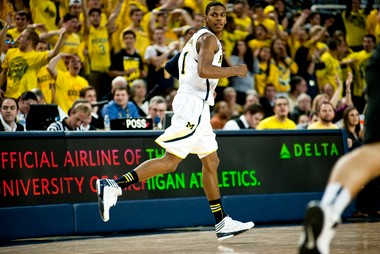 """Michigan freshman forward Glenn Robinson III scored 12 points and 9 rebounds against Purdue on Thursday, the school his famous father -- Glenn """"Big Dog"""" Robinson -- starred at in the 1990s."""