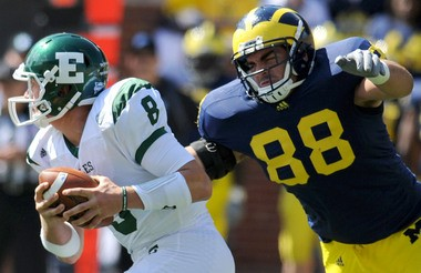 Former Michigan defensive lineman Craig Roh has agreed to join the Carolina Panthers as a free agent.
