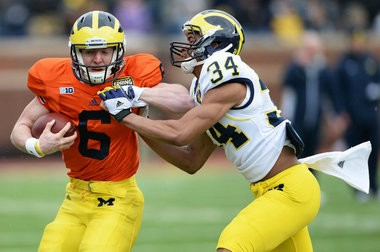 Michigan's Brian Cleary (6) is splitting reps with freshman Shane Morris to see who will back up Devin Gardner.