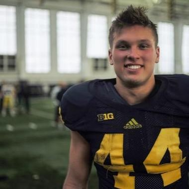 Chase Winovich is now listed as a tight end on Michigan's official roster. He's also repped at fullback this spring.