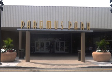 Paramus Park mall will get a movie theater addition after the zoning board approved an expansion.