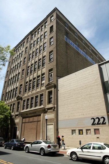 Bell Building in on East State Street in Trenton (to the left of the 222 building), across from the Broad Street Bank apartment building on Friday, May 04, 2007. (Martin Griff   Times of Trenton)