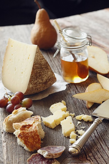 Fairmount cheese by Valley Shepherd Creamery is an Alpine style cow's milk cheese, cave aged over 8 months. Sharp and hard. It is excellent for grating, cheese plates and melting.