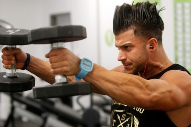 TNA wrestler Robbie E lifts at WoW gym at Menlo Park Mall in Edison.