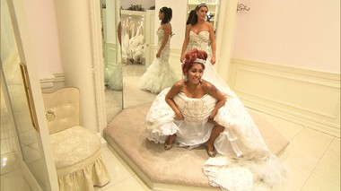 "Nicole ""Snooki"" Polizzi and Jenni ""JWoww"" Farley wedding dress shopping on season 3 of ""Snooki & JWOWW."""