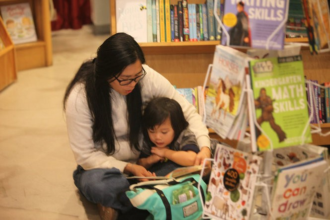 Nicole and Enzo Lo read together at Word bookstore in Jersey City. March 18, 2016. (Bobby Olivier | NJ Advance Media for NJ.com)