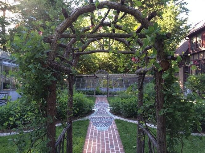 Vines grow up the arched trellis at the Van Vleck Estate on June 10, 2016. (Sydney Shaw | NJ Advance Media for NJ.com)