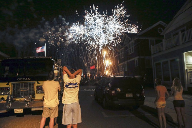 Fourth of July fireworks on the boardwalk in Point Pleasant. (Alex Remnick | NJ Advance Media for NJ.com)
