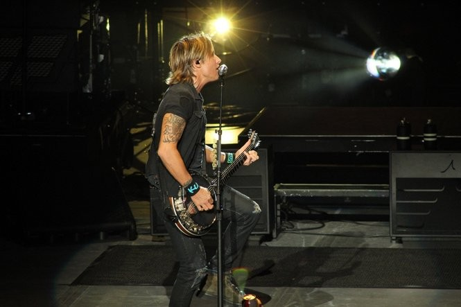 """Keith Urban explores songs from """"Ripcord,"""" his album released in May. (Sydney Shaw   NJ Advance Media for NJ.com)"""