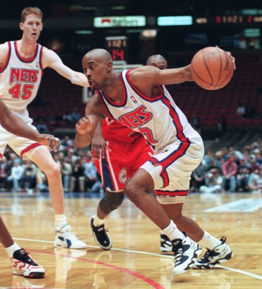 Kenny Anderson drives towards the basket in the first quarter of a Nets game against the 76ers in January of 1996. (Star-Ledger file photo)