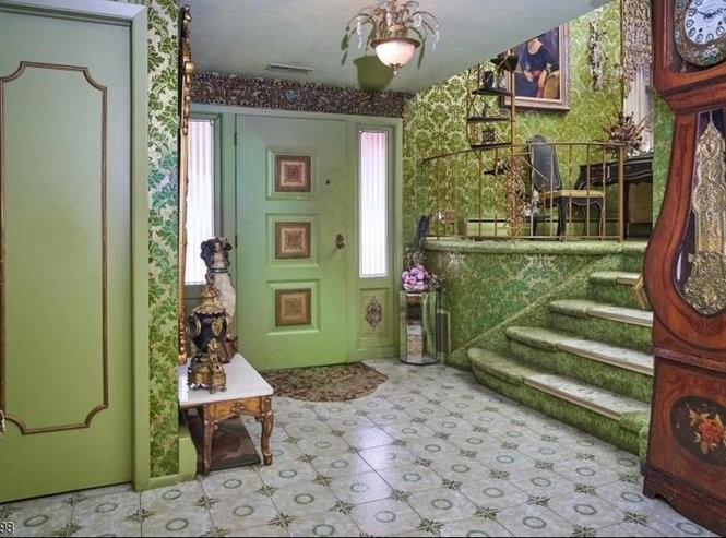 The entrance to the Springfield home. There is a pending offer to buy the home for $499,999. (Photo courtesy of Trulia)