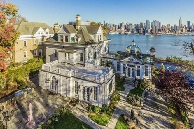 Incredible The 15 Most Expensive Waterfront Homes For Sale In N J Nj Com Download Free Architecture Designs Scobabritishbridgeorg