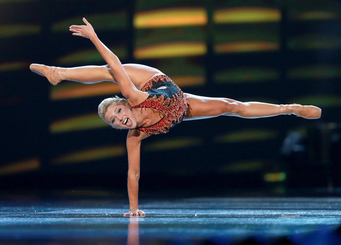 Miss New Jersey 2017, Kaitlyn Schoeffel, who works as a dancer on cruise ships, performs in the talent portion during the first preliminary night of the 2018 Miss America pageant. (Tim Hawk | For NJ.com)