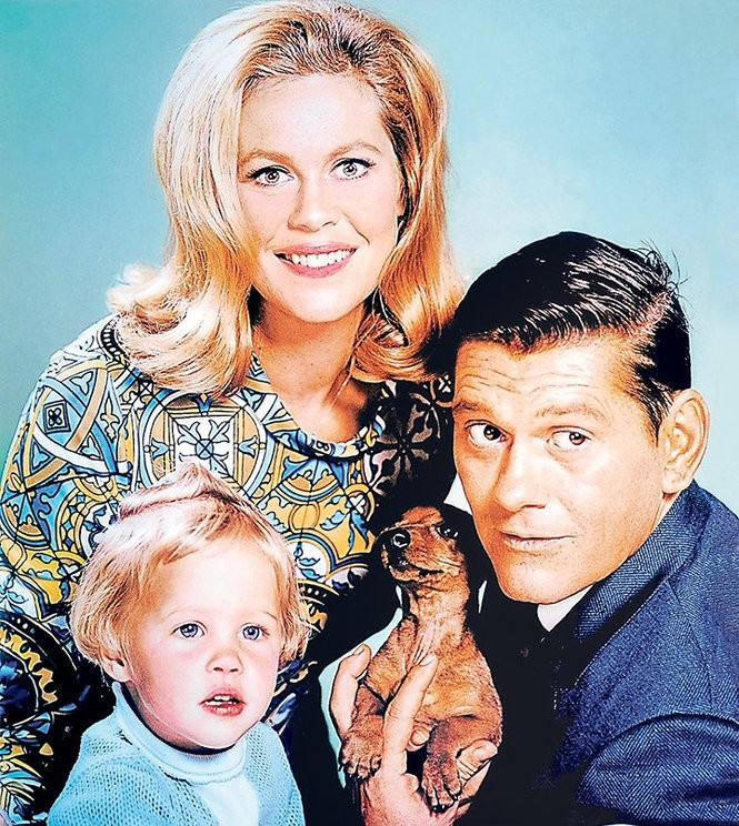 "Elizabeth Montgomery, Dick York and Erin Murphy in the 1964-72 sitcom ""Bewitched."""