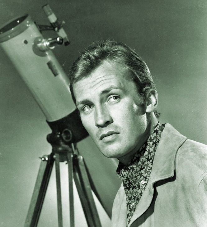 Roy Thinnes as David Vincent, the world's least-productive architect.