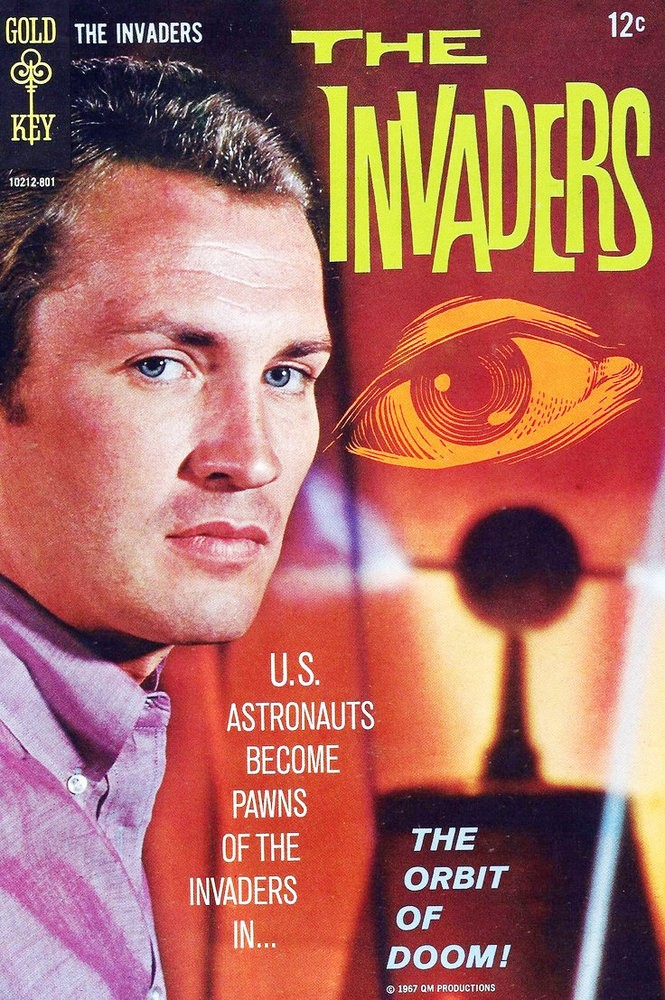 """Roy Thinnes on the cover of an """"Invaders"""" comic book published by Gold Key."""