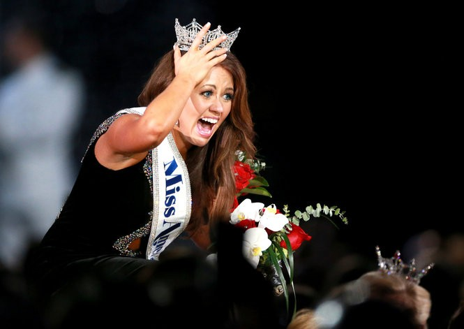 Miss North Dakota, Cara Mund, is crowned Miss America 2018 at Boardwalk Hall in Atlantic City, on Sept. 10, 2017, which is now the date of the last Miss America swimsuit competition in pageant history. (Tim Hawk | For NJ.com)
