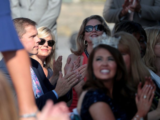 Gretchen Carlson, chairwoman of the Miss America board, at left, and pageant CEO Regina Hopper, at right, at the Miss America arrival ceremony. At front: Miss America, Cara Mund. (Tim Hawk | NJ Advance Media for NJ.com)