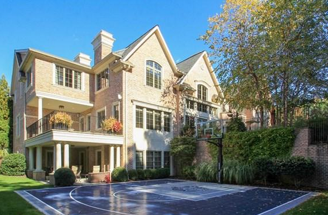 Patrick Ewing's Cresskill home features a half-basketball court in the backyard.