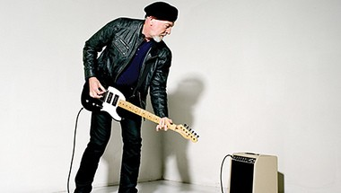Richard Thompson and his electric friend.