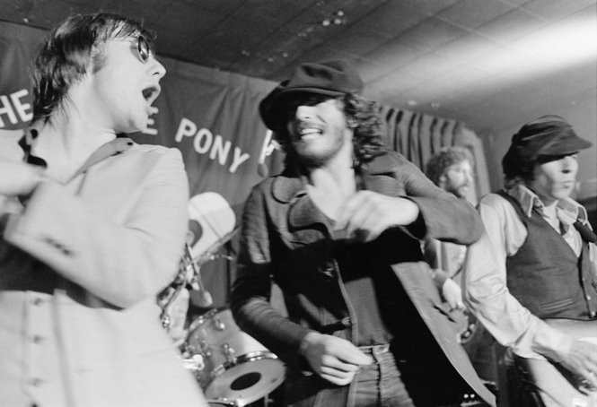 "Southside Johnny and Bruce Springsteen at The Stone Pony in Asbury Park. Appears in Barbara Pyle's new ""Bruce Springsteen and The E Street Band 1975"" photo book. (Photo by Barbara Pyle)"