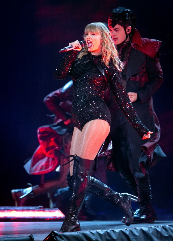 Taylor Swift storms MetLife Stadium: Full review, photos