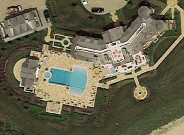 An overhead view of the Sagaponack, N.Y. mansion built by Livingston hedge fund billionaire David Tepper.