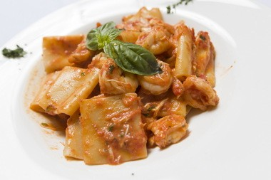 Paccheri with crabmeat and shrimp at Divina.