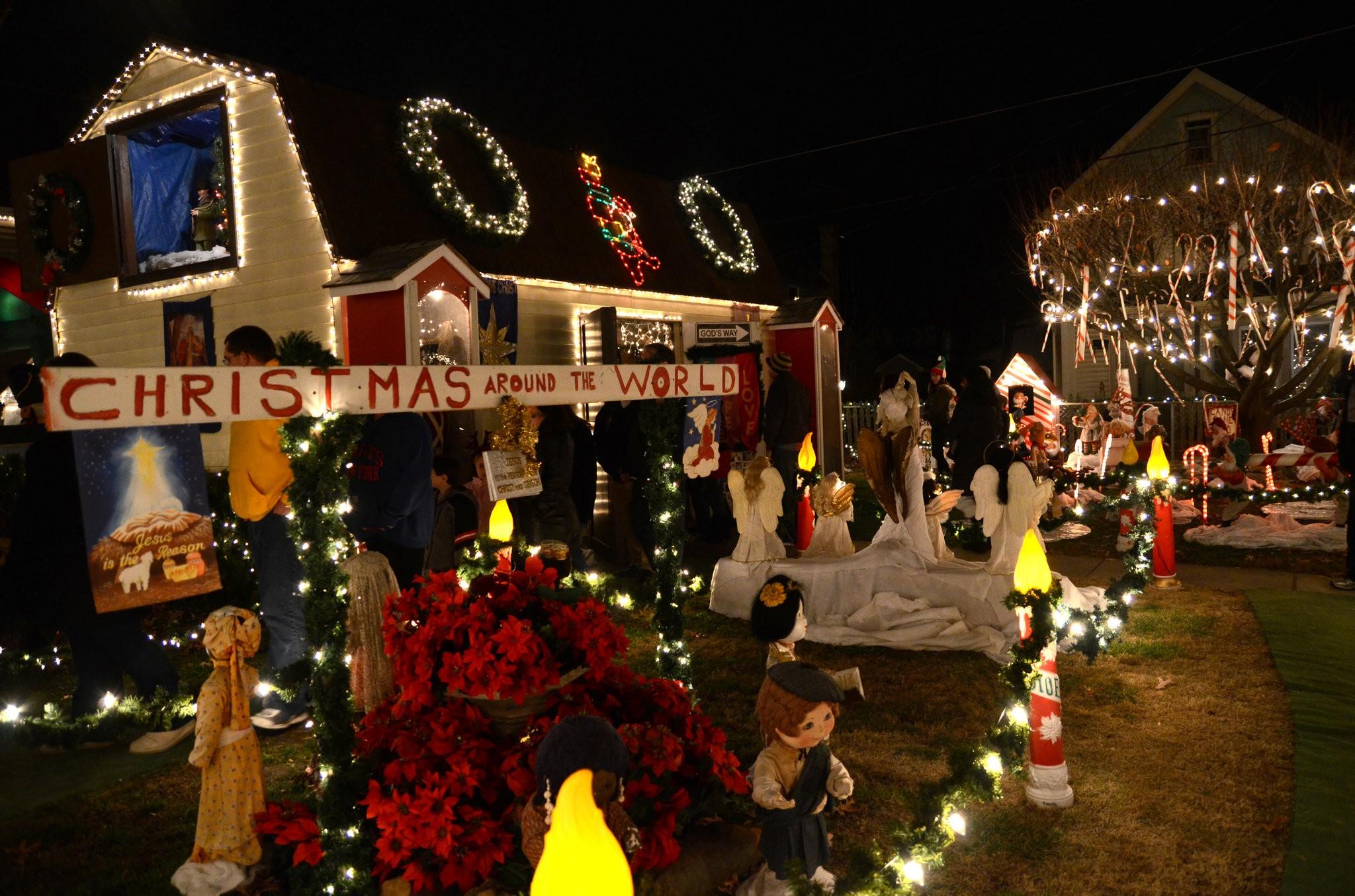 Pitman Christmas Lights 2020 Pitman's Hagerty family Christmas light spectacular brings North