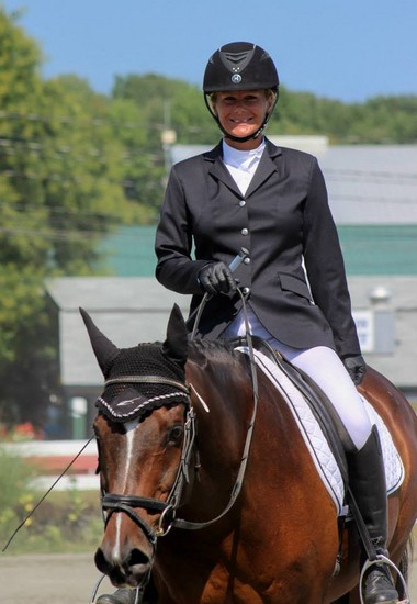 Pro Olympic Star a, Half Arabian/Oldenburg gelding, owned by Paula Batson