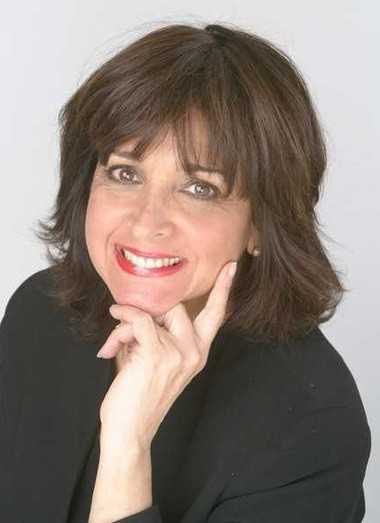 Columnist and author Linda Stasi. Photo by James Keivom, New York Daily News