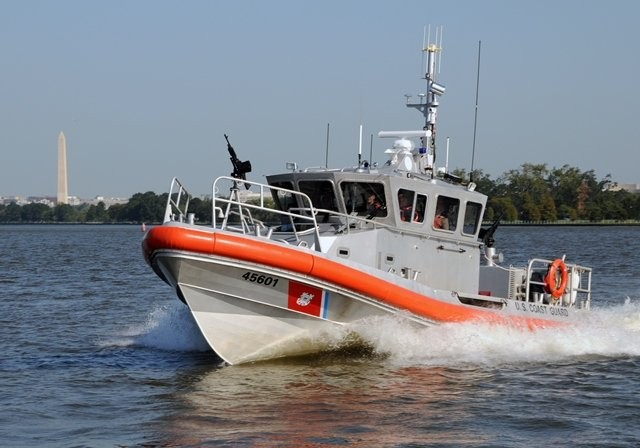 A U.S. Coast Guard response boat patrols the Potomac River in Washington, D.C. CCICADA worked with the Coast Guard to determine how to best deploy its fleet of smaller patrol boats where they are needed most. (Adam Eggers   U.S. Coast Guard)