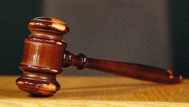 A northern New Jersey doctor stands accused of fraudulently billing health insurance companies.