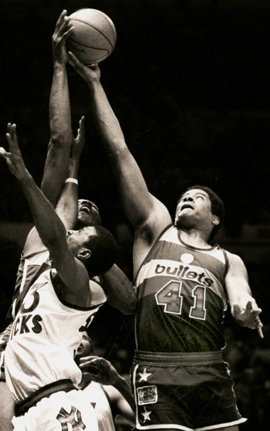 Ray Williams, left, a former Knicks captain, died today at age 58.