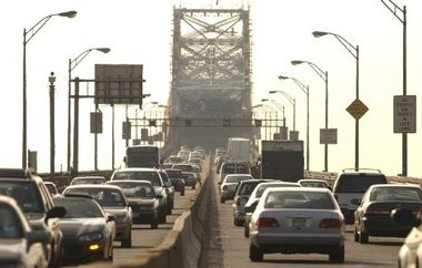 Replacement of the aging Goethals Bridge is intended to relieve persistent congestion. Contracts for the Goethals and two other bridge projects are expected to be awarded today.