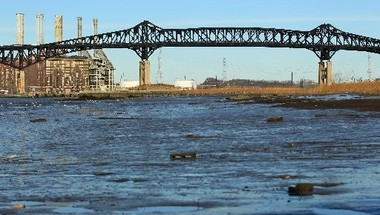 The Pulaski Skyway will close this weekend to allow for the replacement of a heavy beam. It will give motorists a preview of what like will be like early next year, when the historic but decrepit steel truss bridge is shut down in one direction for about two years as part of a major rehabilitation project.