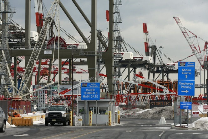 Cargo cranes stand idle at the Maher Terminal in Elizabeth after longshoremen unexpectedly walked off the job Friday, shutting down the port terminals both in New Jersey and New York. (Robert Sciarrino | NJ Advance Media for NJ.com)
