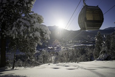 A 43-year-old New Jersey man died in a ski accident Monday in Breckenridge, Colo.