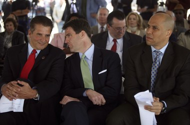 DiVincenzo with Bill Baroni, the former deputy director of the Port Authority, and then-Newark Mayor Cory Booker at an event announcing Riverfront Park in 2010. (Jennifer Brown | Star-Ledger file photo)