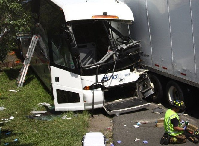 Tour bus crash is at least the 17th on Turnpike in past 25