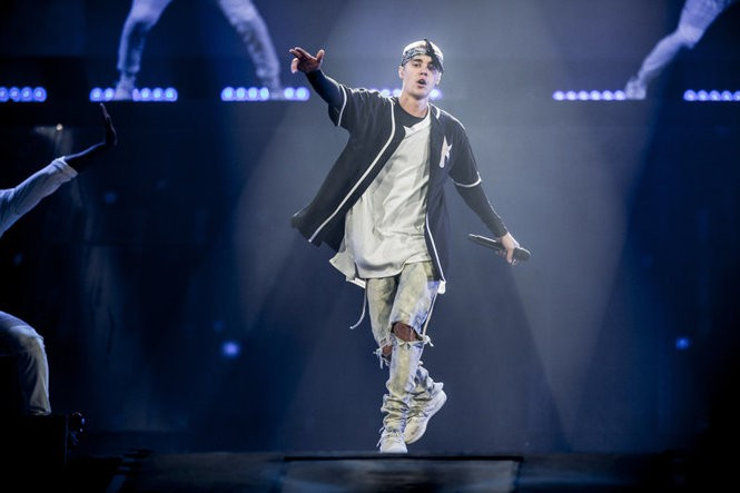 One physician received $3,300 a month, as well as hard-to-get concert tickets, including five tickets to see Justin Bieber. (Chad Batka | New York Times file photo)